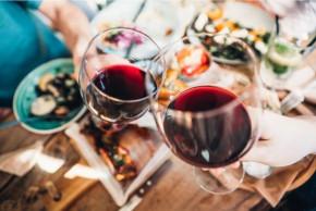 Kojení a alkohol: 6 tipů pro kojící matky