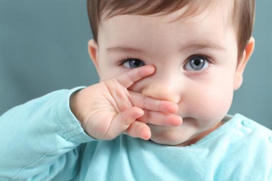 Co dělat, když má dítě cizí těleso v nose nebo uchu?