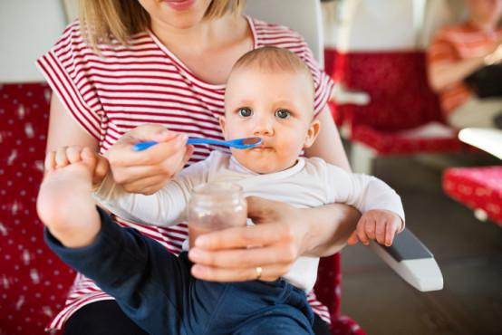 Jak zvládnout potravinovou alergii jinde než doma?