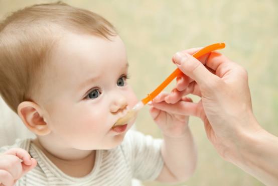 Alergie: Zásady zavádění nových potravin do jídelníčku dítěte