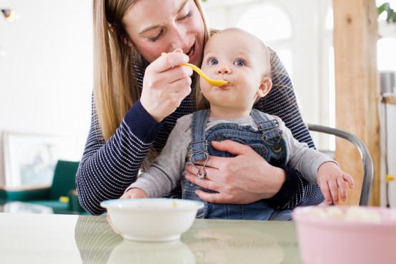 Příkrmy a potravinová alergie: kdy je čas na setkání s alergeny?